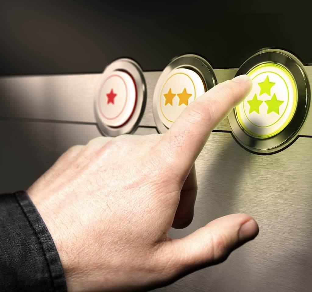 customer giving feedback via star rating buttons